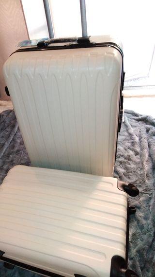 3 maletas rigidas actuales color crema