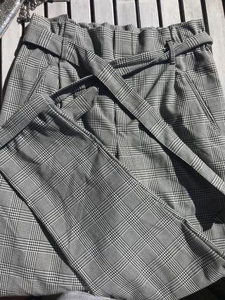 Pantalón cuadros escoceses Zara