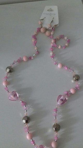 Collar y pendientes rosas!