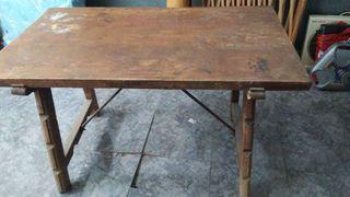 Mesa antigua para restaurar