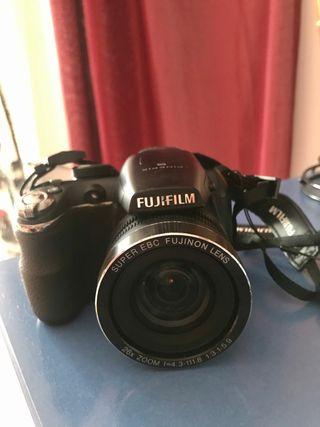 Cámara de fotos digital Bridge Fujifilm S2950