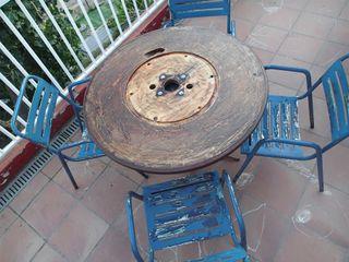 Mesa terraza y cuatro sillas