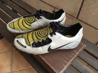 Botas fútbol Nike Totalninety talla 42