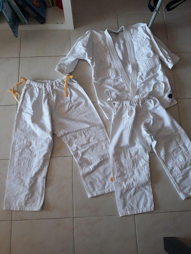 lote kárate/ judo niñ@s
