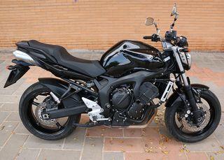 YAMAHA FZ6 - S2 - 98 CV - BLACK
