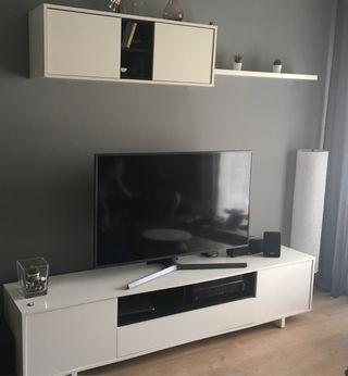 Mueble de tv color blanco