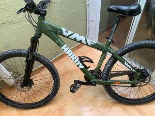 Bicicleta de montaña y enduro