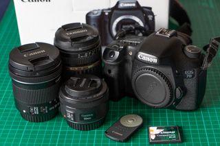 Canon EOS 7D con caja + 3 objetivos y accesorios