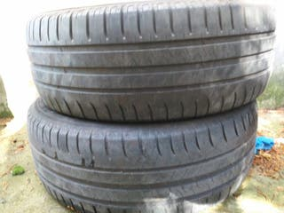 se vende 2 ruedas 205 55 r16 michelin