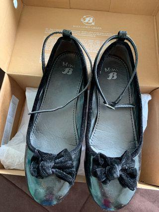 Zapatos charol negro talla 35