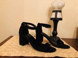 Sandalias tacón bajo