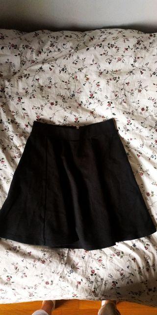 falda negra corta h&m