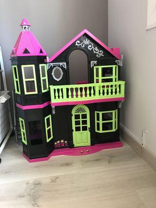 Casa de muñecas Monste hight