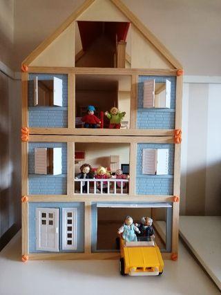 Casa muñecas madera TOTALMENTE EQUIPADA
