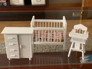 Casa de muñecas. Dormitorio habitación infantil