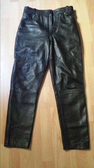 Pantalón de cuero (36)