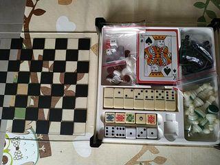 Póker, ajedrez, backgamon, dominó, dados, damas.