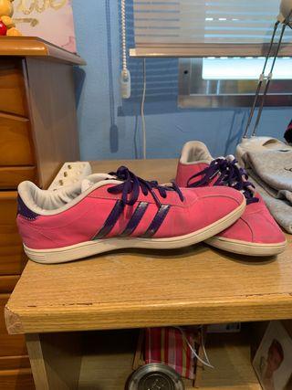 Zapatillas adidas rosa y morado