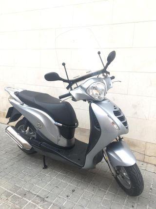 Honda Passion 125 PLATA menos de 20.000 km