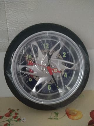 reloj rueda moto