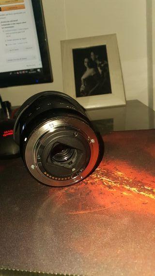 Objetivo Sony 16-70 f4
