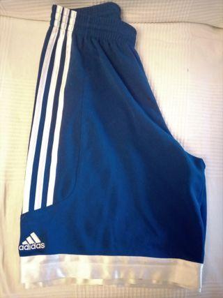 Pantalón corto de baloncesto, marca Adidas