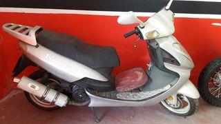 se vende moto de 125