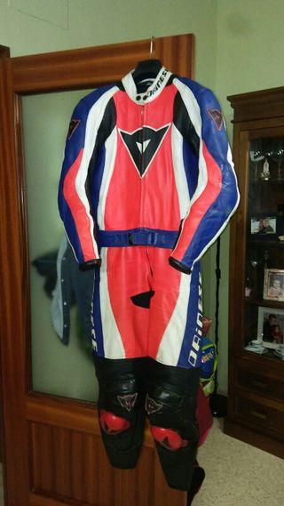 mono moto Dainese talla 46