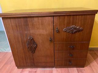 Mueble con máquina de coser