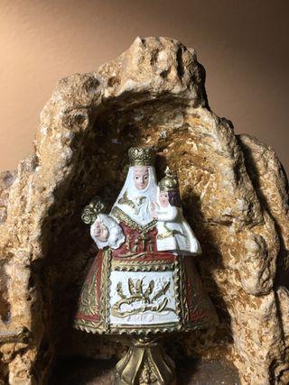 Virgen en cueva. Objeto Religioso de los años 60