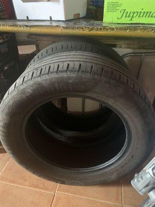 2 neumáticos Continental y Michelin 215/55 R16