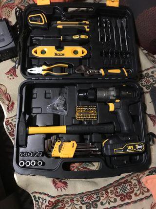 Maletín de herramientas con taladro