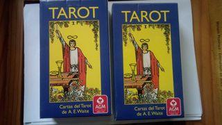 DOS JUEGOS DE CARTAS DE TAROT