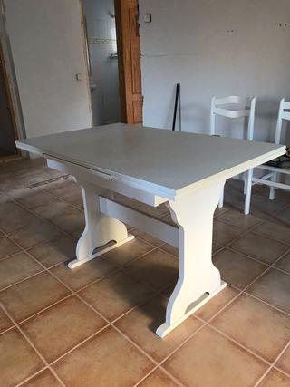Mesa plegable de cocina y sillas