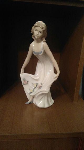 Figura cerámica Davila REX