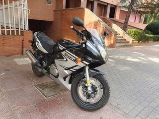 Moto Suzuki GS 500 F