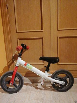 bici de equilibrio sin pedales, con freno