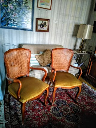 sillas de madera con brazos