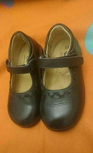 Zapatos niña 23