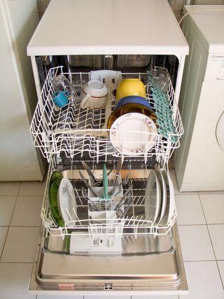 Lavavajillas media carga