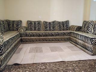 Salón marroquí más alfombra .