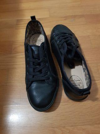 Zapatillas negras T40