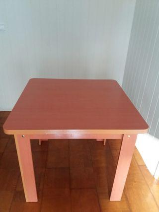 Mesa de comedor 25€