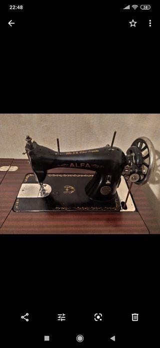 maquina de coser con mueble