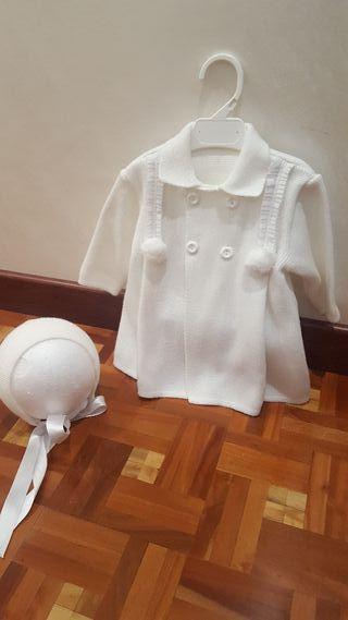 Abrigo de lana 6 meses con capota