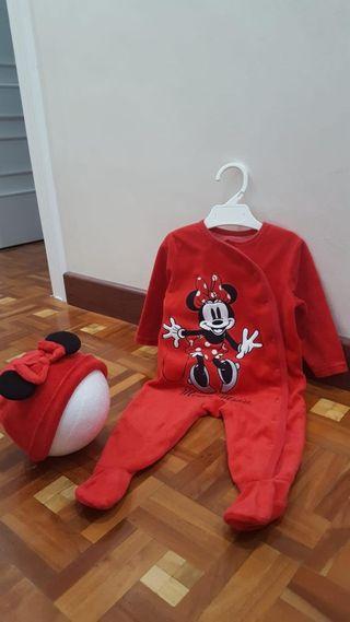 Pijama 6/9 meses con gorro