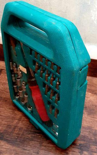 Maletín herramientas destornillador carraca 33 piezas ( Más Herramientas en mi Perfil
