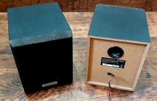2 altavoces satélite traseros Kenwood (Más artículos foto audio y vídeo en mi perfil