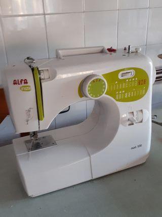 Máquina de Coser domestica