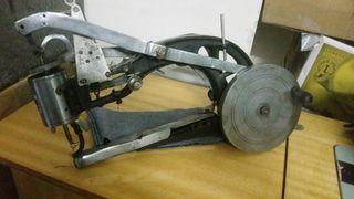 máquina de coser zapatos